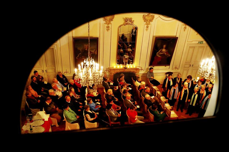 Gut gefüllt war der Saal zum ersten Schlosskonzert in Oberlichtenau nach längerer Pause. Nun soll der Saal wieder öfter klingen.