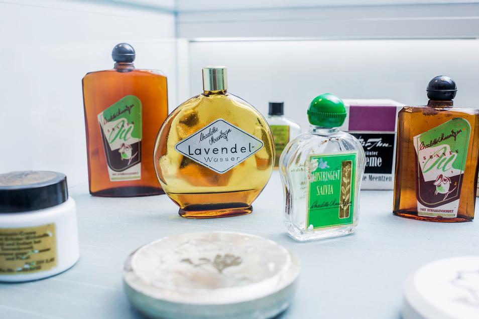 Sonnenöl, Lavendelwasser, Kräutervital-Creme: die Klassiker aus dem Charlotte Meentzen-Sortiment sind Zeugen der bewegten Firmengeschichte.
