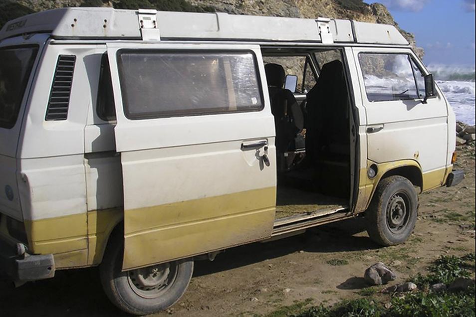 In diesem VW T3 Westfalia soll der Verdächtige zeitweise in Portugal gewohnt haben.