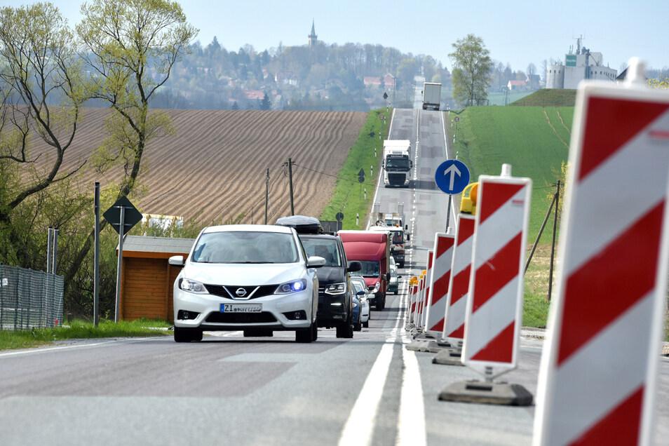 Die Baustelle an der Sachsenfreund-Kreuzung besteht wahrscheinlich noch bis Ende Oktober.