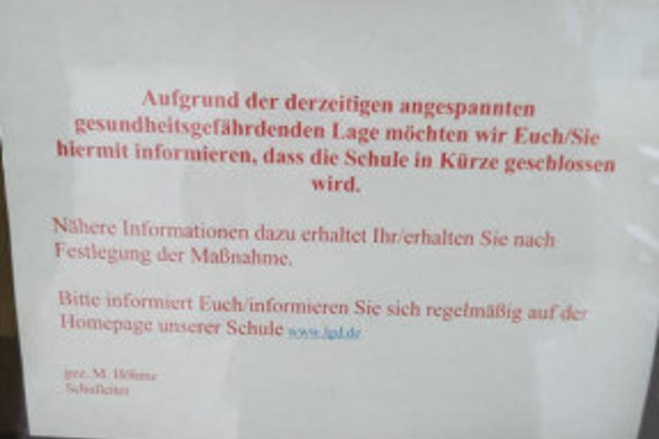 Dieser Aushang hängt zurzeit am Lessing-Gymnasium in Döbeln.
