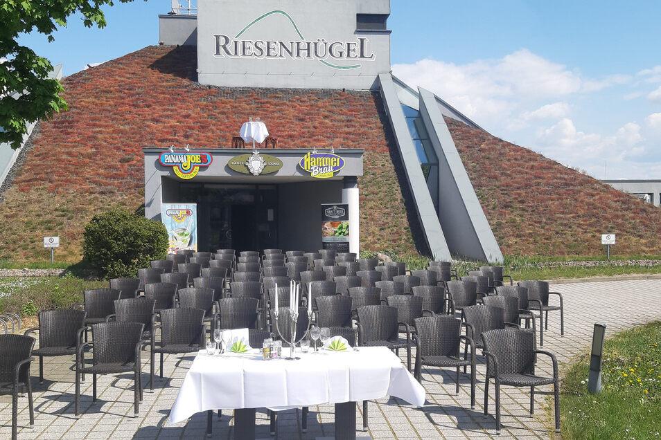 Zwangsweise geschlossen: In Riesa schließen sich die Riesenhügel-Gastronomen dem Protest der Dresdner Kollegen an.