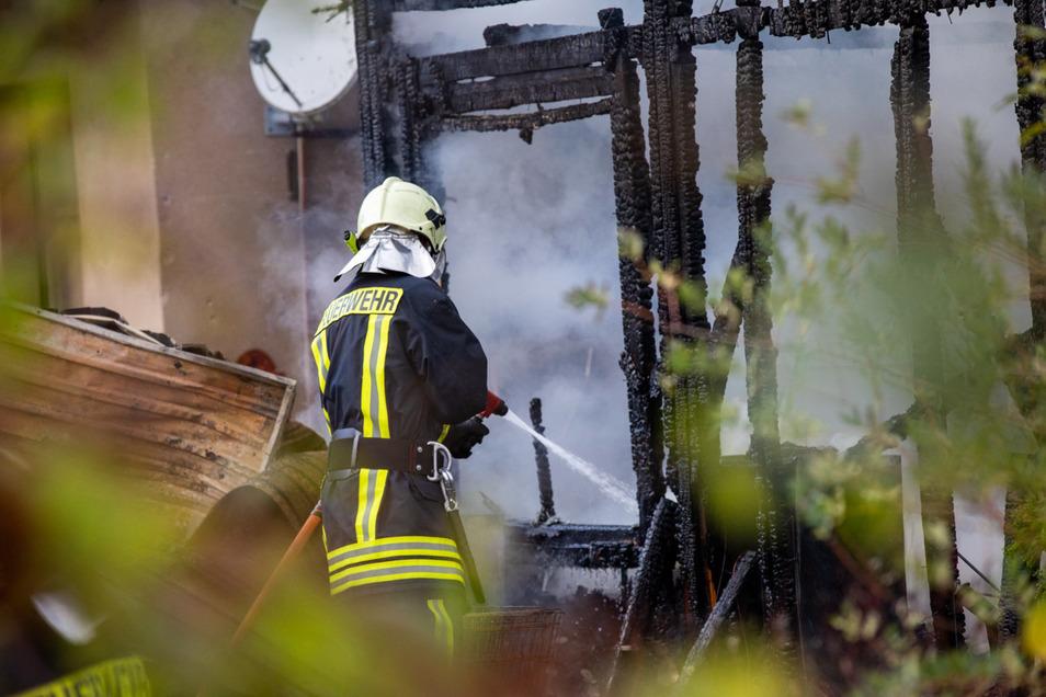 Die Feuerwehren konnten die Flammen schnell löschen.