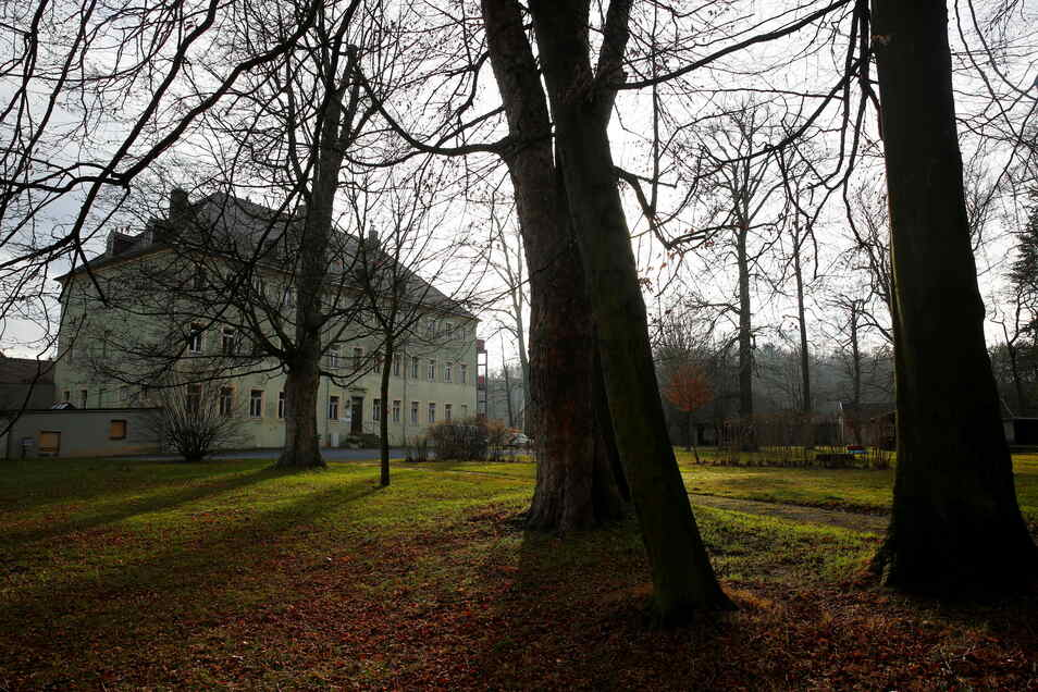 Das Schloss Brauna ist zum Streitthema zwischen der Stadt Kamenz und einem Schulverein geworden.