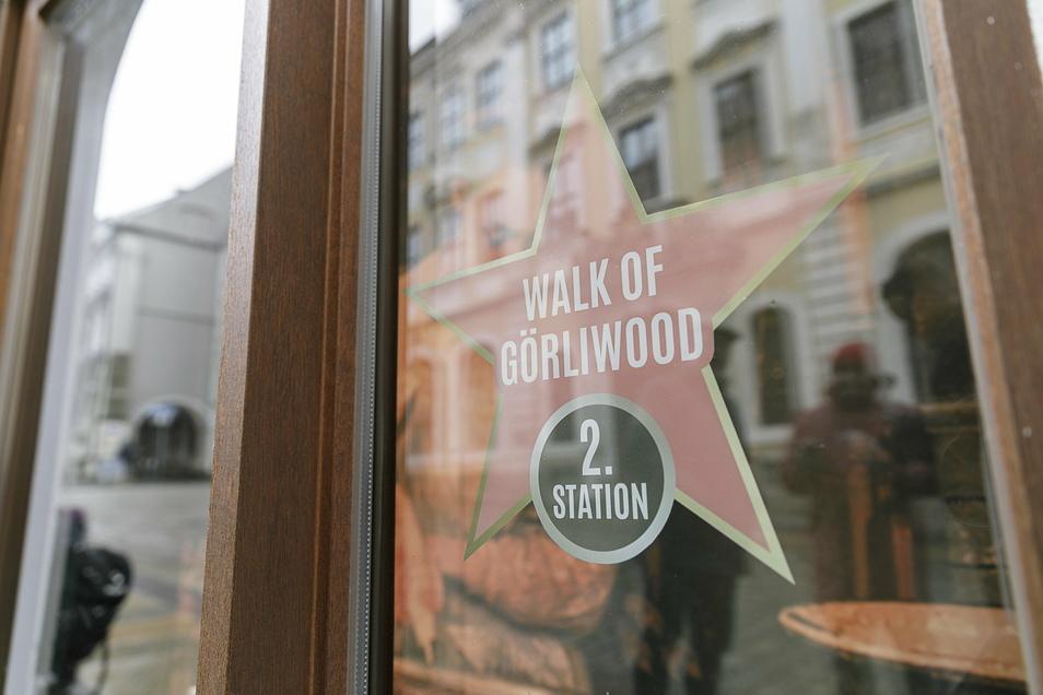 """In Görlitz gibt es einen """"Walk of Görliwood"""", Schaufenster in der Stadt, die auf Drehorte und Filmproduktionen hinweisen."""