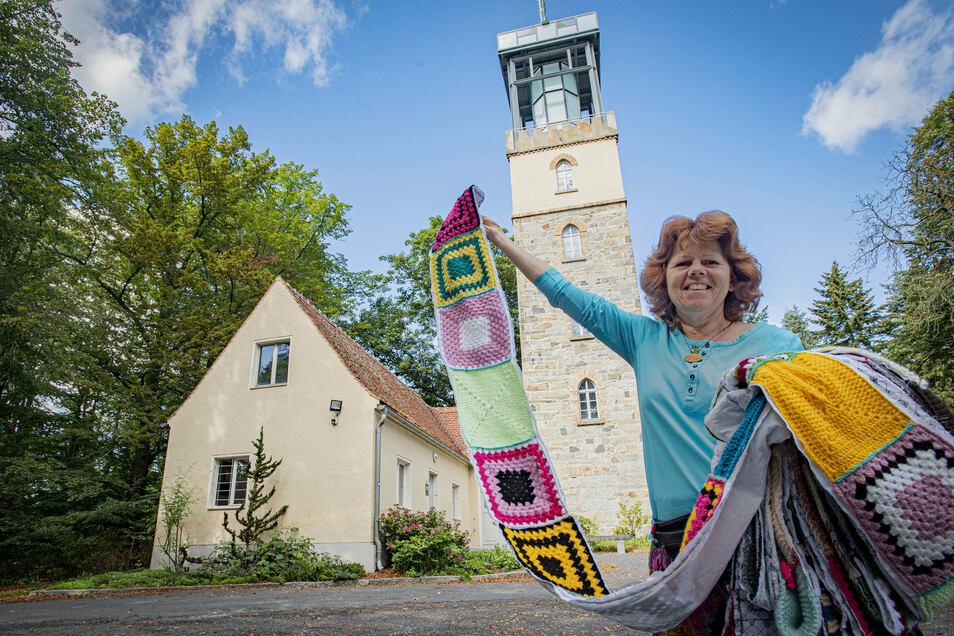 Kerstin Boden ist in Kamenz als Glückspilgerin bekannt und empfängt auch selbst Pilger in ihrer Herberge. Um in der Stadt bessere Bedingungen für Pilger zu schaffen, plant sie eine besondere Aktion.
