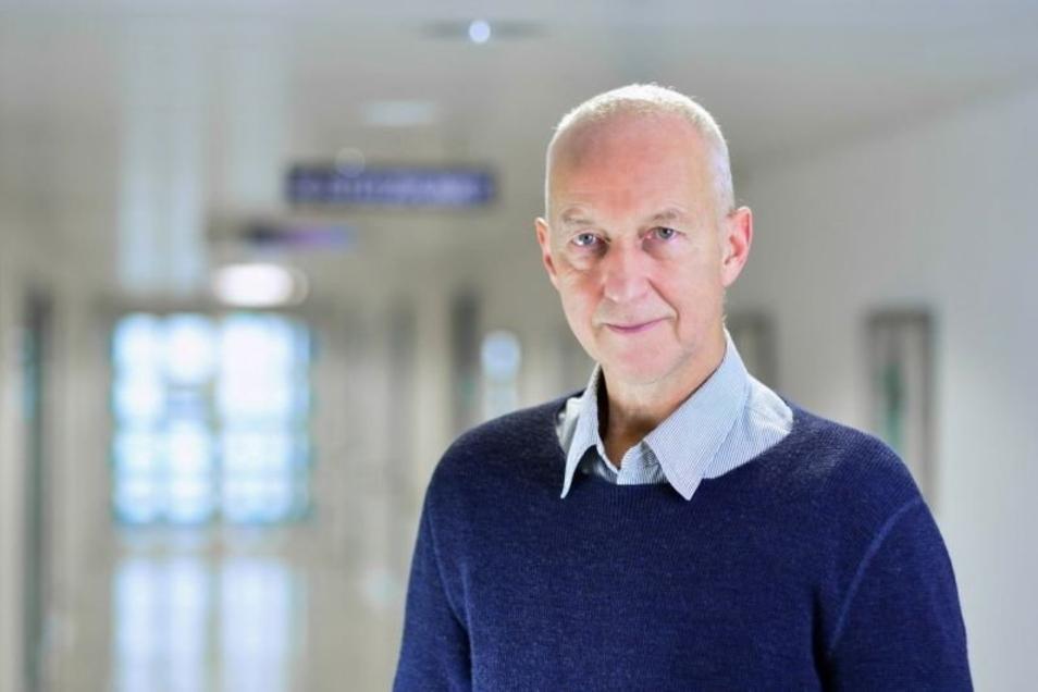 """Dr. Eckhard Reinecke kandidiert für die Partei """"dieBasis"""" in Freising. Er hat noch nicht den Stöcker-Impfstoff verwendet."""