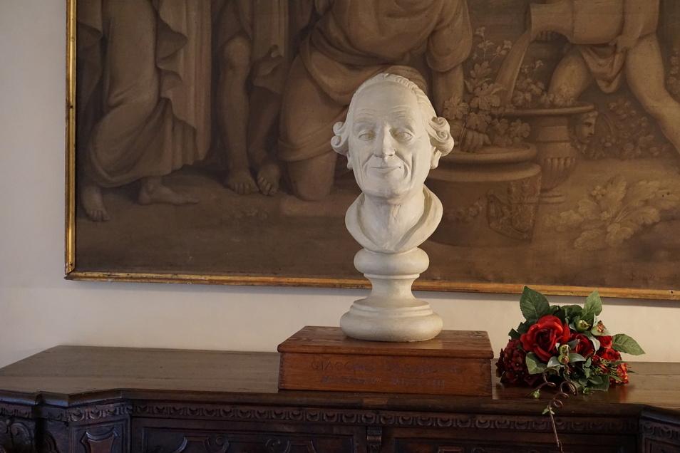 Ein italienischer Galan in Nordböhmen. Mit Casanova bekam Duchcov südlichen Glanz. Ein extra Rundgang erinnert an sein 13-jähriges Wirken in der Stadt.