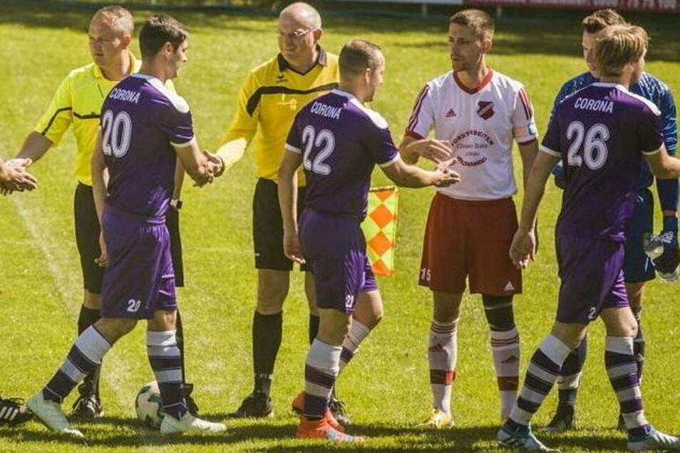 Der Handschlag zur Begrüßung vor dem Spiel als Geste des Respekts und der sportlichen Fairness fällt vorerst weg.
