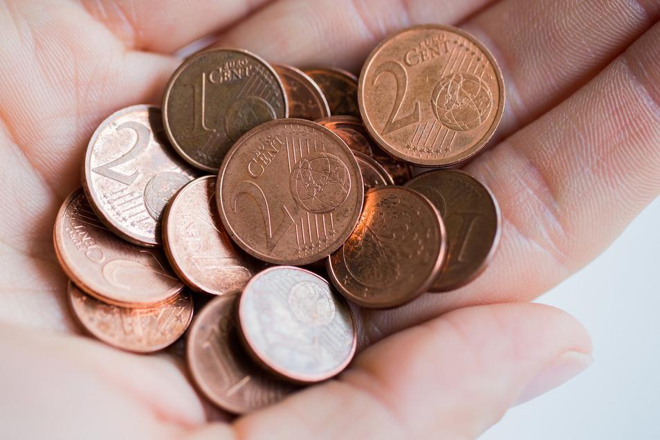 """""""Die kleinen Münzen nerven total"""" – auch diese Meinung ist in der Region zur hören, vor allem bei Beschäftigten im Einzelhandel."""
