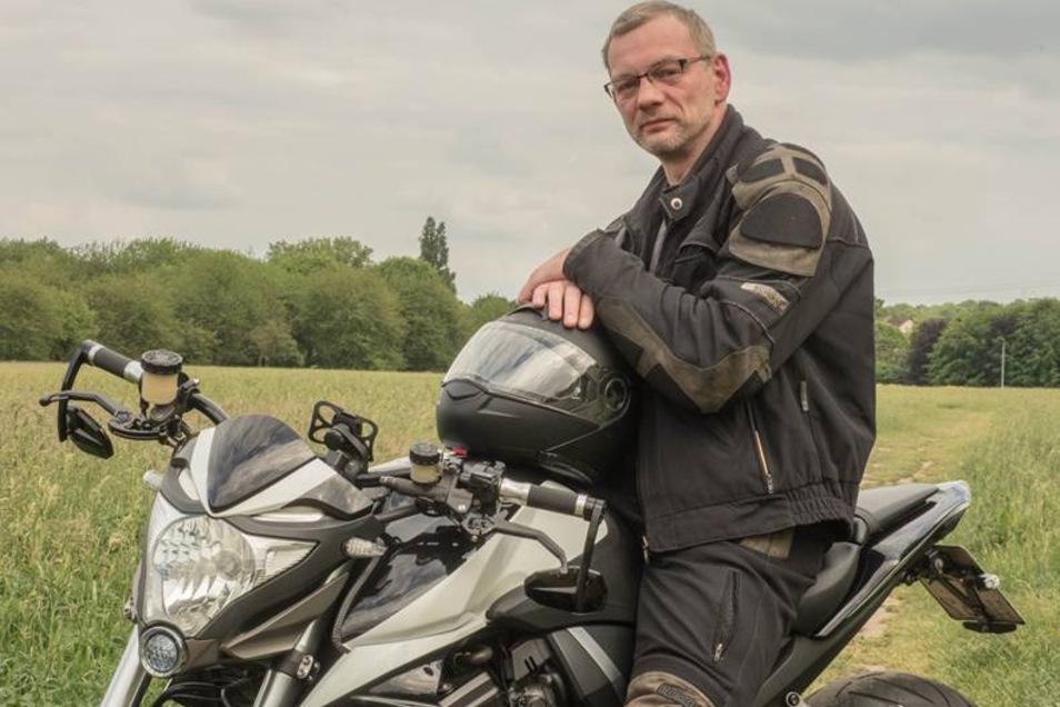 Heiko Schmidt ist gebürtiger Magdeburger und lebt seit vielen Jahren im Ruhrgebiet. In seiner Freizeit fährt der 44-Jährige mit seiner Honda CB 1000 R.
