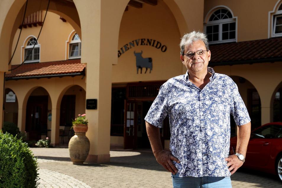 Michael Voß ist Unternehmer und Kopf der Voß-Unternehmensgruppe. Zu dieser gehört der Spanische Hof. Künftig auch die Gesellschaft, die die benachbarte Bowlinglounge betreiben wird.