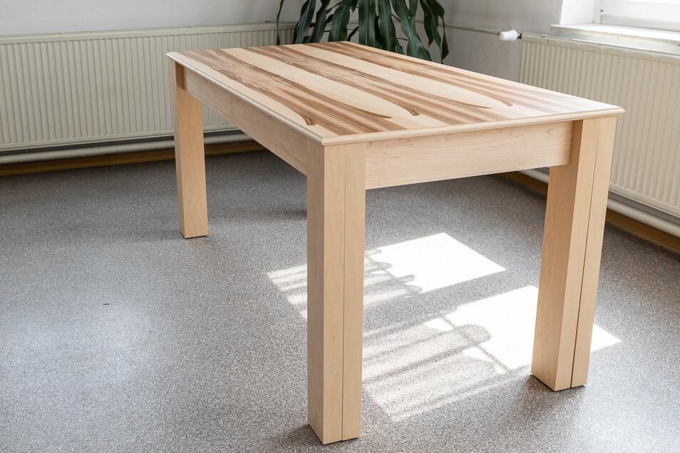 So sieht der Tisch von Michael Zscharschuch in der Urform aus. Sechs Leute finden daran Platz.