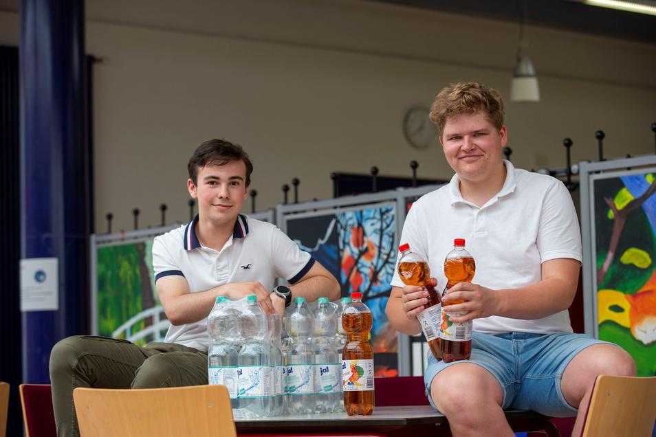 Die beiden Jungunternehmer: Christian Schwaar (l.) und Karl Leutgöb wollen im neuen Schuljahr mit ihrer Schülerfirma starten.