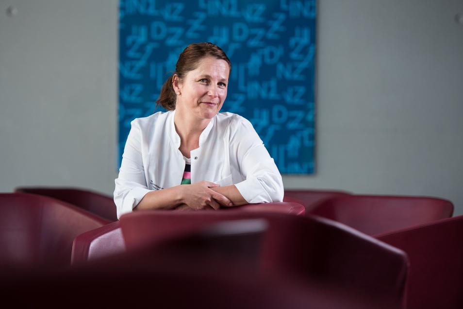 Praktikum in der Urologie des Dresdner Universitätsklinikums: Daniela Martin ist auf der Zielgeraden, den Arztkittel darf sie schon tragen.