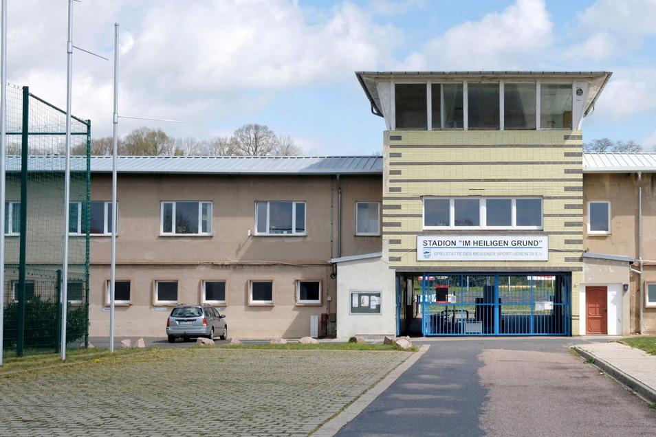 Der Nordwestflügel des Stadiongebäudes im Heiligen Grund soll im Sommer umgebaut werden.