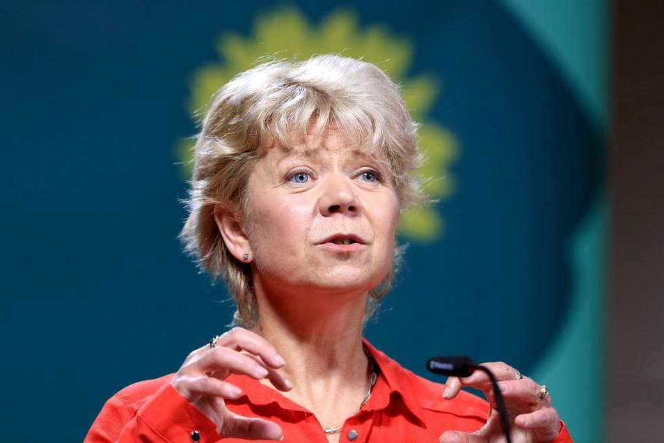 Cornelia Lüddemann, Vorsitzende der Landtagsfraktion von Bündnis 90/Die Grünen in Sachsen-Anhalt, spricht beim Landesparteitag von Bündnis 90/Die Grünen Sachsen-Anhalt.