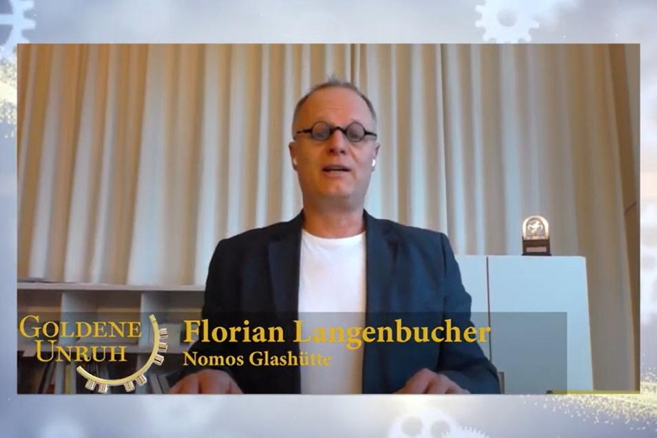 Für Nomos Glashütte nahm Sprecher Florian Langenbucher den ersten Preis entgegen.