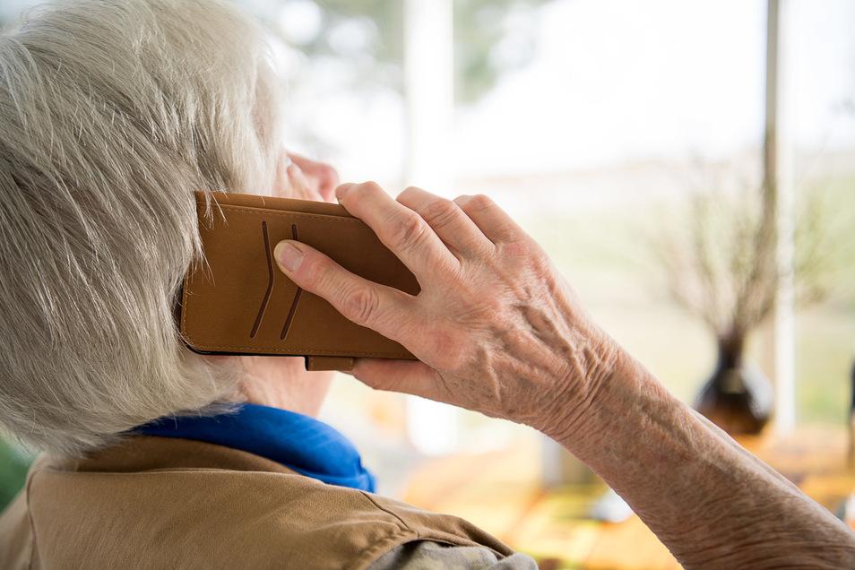 Eine Seniorin aus der Röderaue hatte in den vergangenen Tagen einen Trickbetrüger am Telefon.