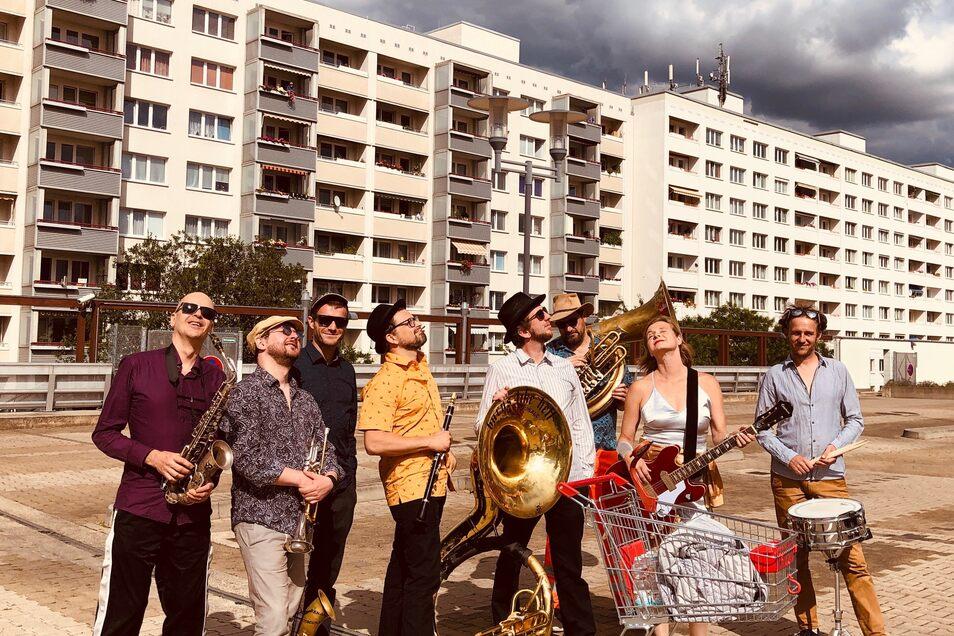 """Die Banda Internationale hat in Prohlis bereits den Song """"Oh, mein Prohlis"""" eingespielt. Nun soll sie nicht beim Bürgerfest spielen dürfen."""