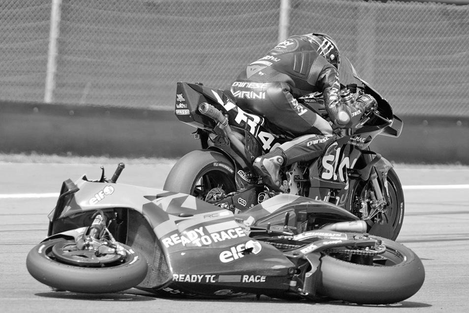 Symbolfoto. Nach einem Sturz im European Talent Cup konnte ein junger Fahrer nicht schnell genug von der Piste fliehen, wurde von einem nachfolgenden Konkurrenten erfasst und tödlich verletzt.