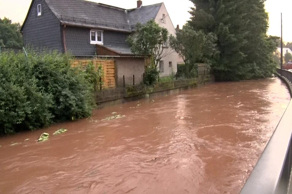 Extreme Regenfälle hatten am Wochenende zu Überflutungen in Sachsen geführt.