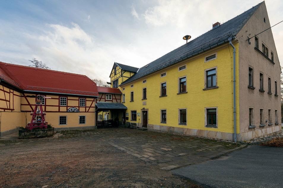 An der Porschendorfer Mühle wurde mit Fördergeld ein Teil der Fassade saniert.