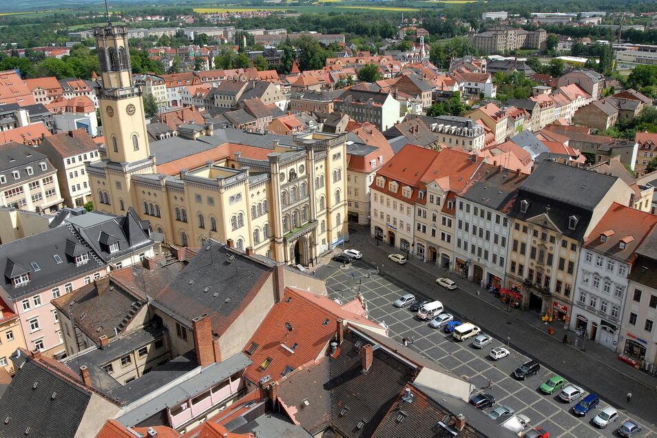 Blick vom Johannisturm auf den Zittauer Markt, als dort noch geparkt werden durfte.