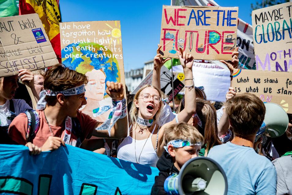Teilnehmer bei einer Fridays-for-future-Demonstration: Das Klima ist das größte Thema der jungen Generation.