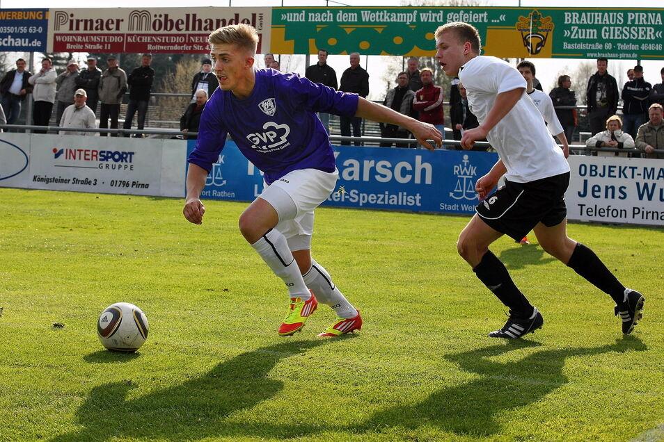 April 2012: Marcel Reck (li.) zieht an seinem Gegenspieler vorbei. Fünf Jahre nach seinem Weggang kehrt er zurück.
