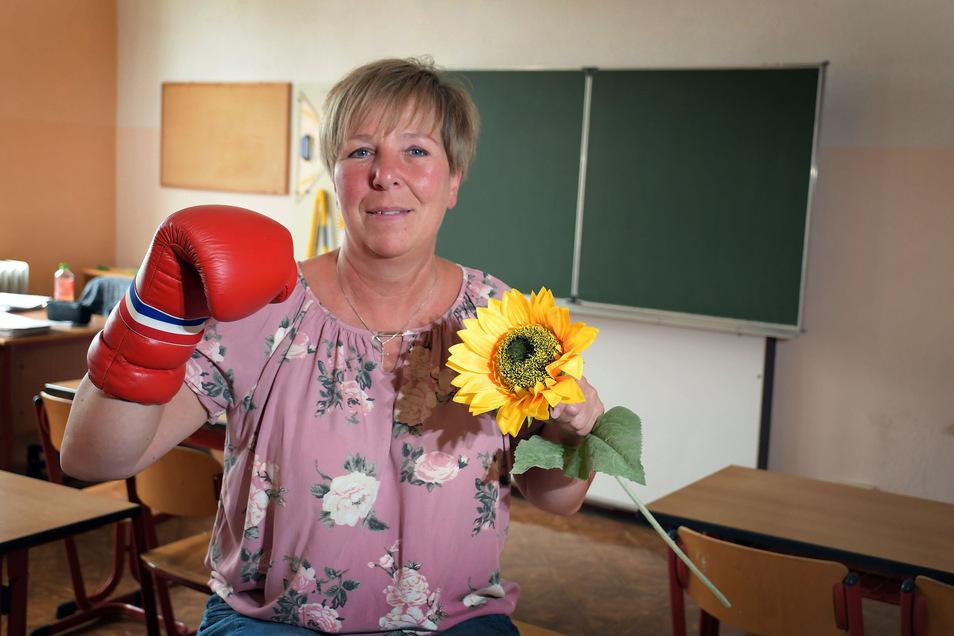 Einerseits will Ilona Böhle, Schulsozialarbeiterin an der Förderschule Roßwein, den Mädchen und Jungen Stärke und Selbstvertrauen mitgeben, mit dem sie sich besser durchs Leben boxen können. Auf der anderen Seite  geht es um Wertschätzung.