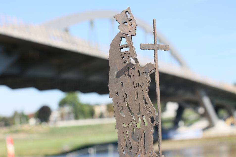 Der heilige Nepomuk sollte an der Waldschlößchenbrücke stehen. Hier ist ein Entwurf des Brückenheiligen zu sehen. Doch die Stadt lehnte den Vorschlag des katholischen Bistums Dresden-Meißen ab.