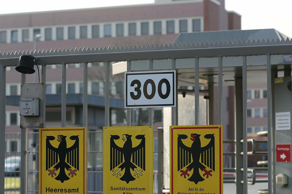 Der Eingang des Amtes für den Militärischen Abschirmdienst (MAD) in Köln