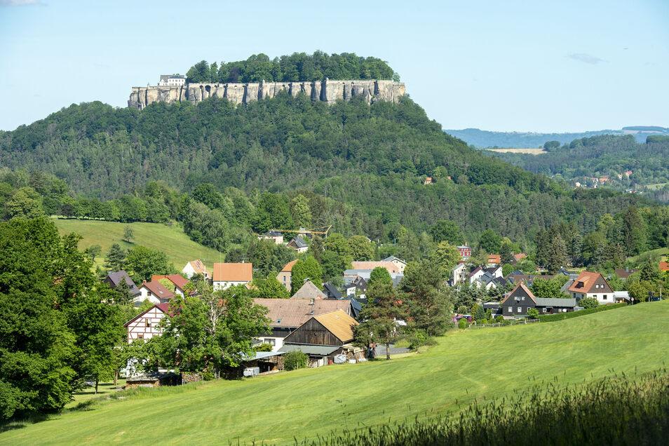 Idyllisch liegt Pfaffendorf unterhalb der Festung Königstein in der Sächsischen Schweiz. Doch die Idylle trügt.