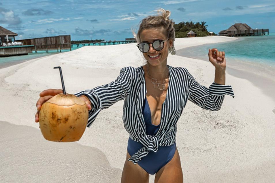 In ihrer neuen Rolle setzt Adrienne Koleszar  nun auf Sonne, Strand und Lebenslust.