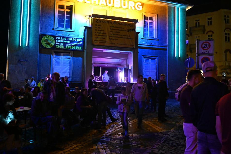 Auf dem Platz vor der Schauburg war immer etwas los.
