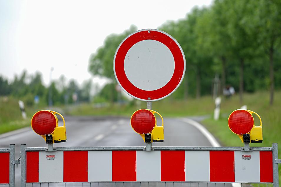 Lediglich Busverkehr kann während der Bauphase die Hauptstraße in Grillenburg passieren.