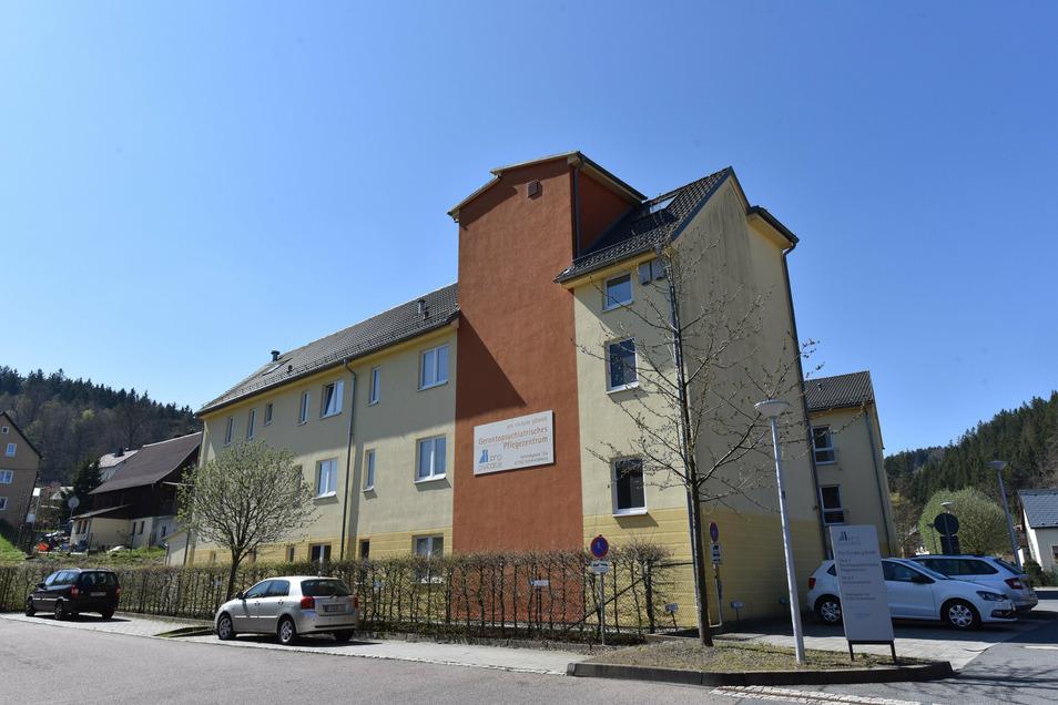 Hier im Gerontopsychiatrischen Pflegezentrum in Schmiedeberg hat am Freitagmorgen ein Brandmelder blinden Alarm gegeben.