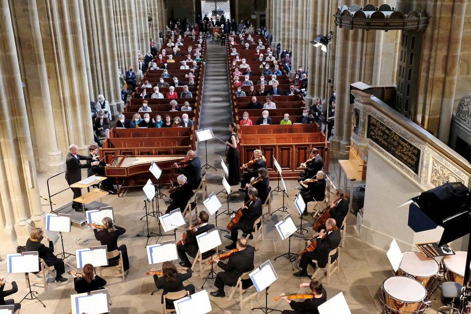 Bei einem ersten großen Konzert nach der Pandemie im Meißner Dom glänzten die Musiker jetzt mit fabelhafter Spielfreude.