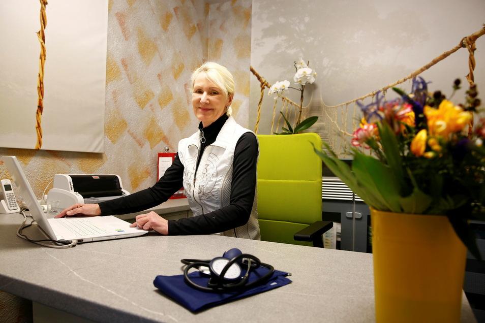 Allgemeinmedizinerin Heike Theile ist seit 20 Jahren Hausärztin für Schwosdorf und Umgebung. Sie kann derzeit nicht arbeiten, will aber ihre Praxis nicht aufgeben.