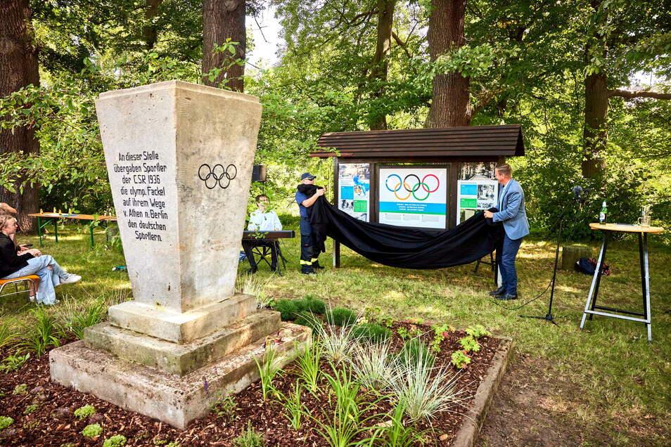 Ein denkwürdiger Platz: An der Grenze in Hellendorf wird an Olympia erinnert. Jetzt wurde der Platz in Ordnung gebracht und ergänzt.