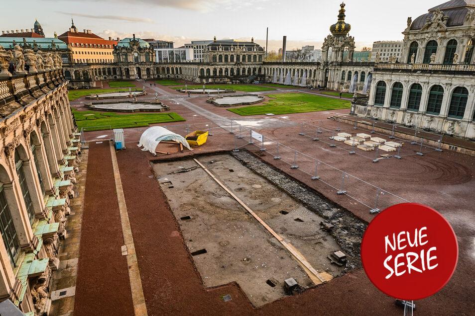 Wie 2013 bei Grabungen nachgewiesen, befand sich der erste Garten im Zwingerhof auf dieser Fläche vor dem Wallpavillon.
