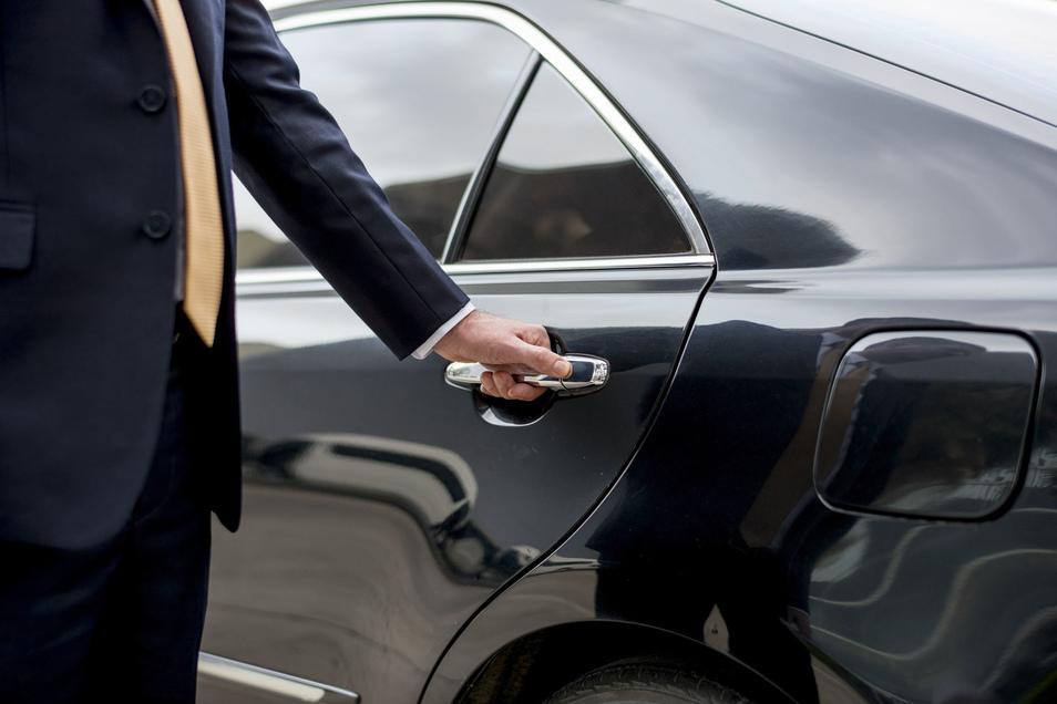Mit dem Haustür-Transfer geht es bequem per Taxi zum Flughafen.