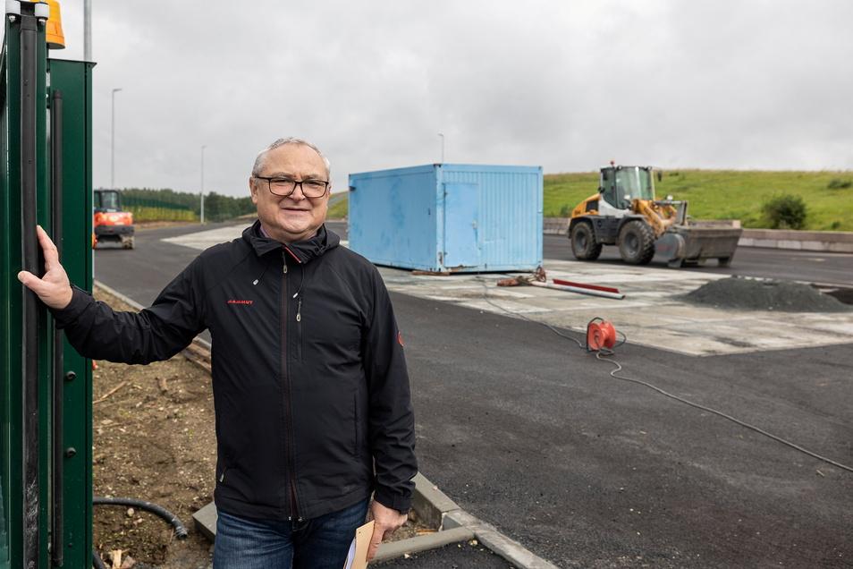 Olaf Müller hofft, dass der neue Wertstoffhof in Cunnersdorf gut angenommen wird. Die Bedingungen hier werden auf jeden Fall besser sein als auf dem jetzigen Platz im Dippser Ortsteil Elend, meint er.