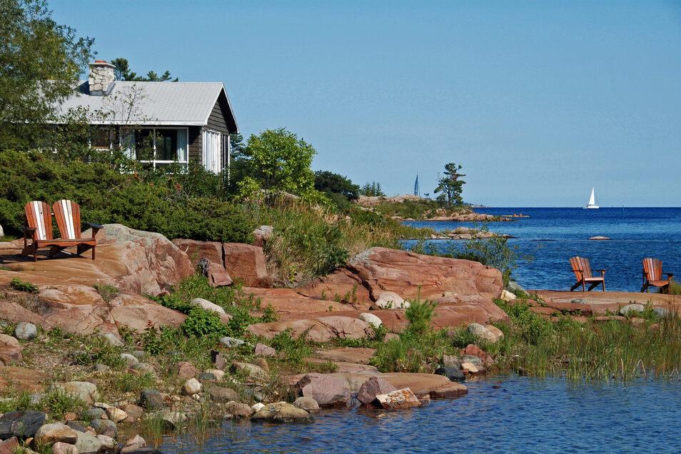 In einem Ferienhaus ist man besser isoliert als in einem großen Hotelkomplex.