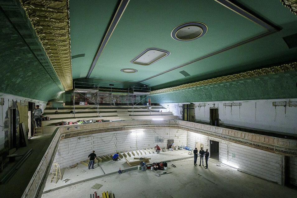 So sah der große Saal des Görlitzer Filmpalasts im September aus, jetzt ist er fertig saniert.