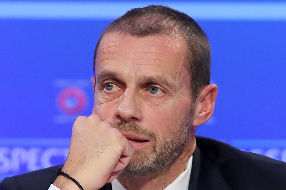 Uefa-Präsident Aleksander Ceferin bezeichnet die geplante Regenbogen-Beleuchtung der Münchner Arena als populistische Aktion. Damit wollte sich die Uefa nicht einspannen lassen und verbot die Beleuchtung in Regenbogenfarben.