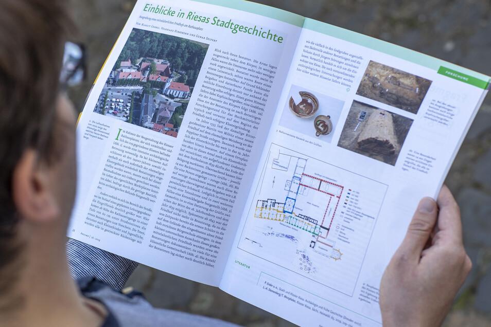 Auf zwei Seiten fasst das Magazin Archaeo die ersten Erkenntnisse aus den Grabungen am Riesaer Rathausplatz zusammen.