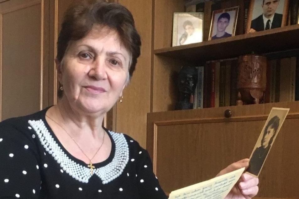 Ljudmila Iwanowna aus Orjol in Russland sucht nach ihrer deutschen Halbschwester Valentina und deren Mutter Christina, die in Döbeln und Görlitz gelebt hat.