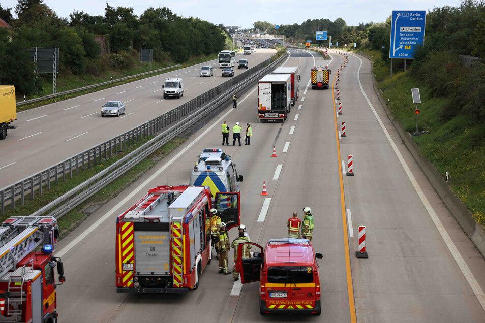 Am Vormittag sind zwei Lkw auf der A4 in Dresden zusammengestoßen.
